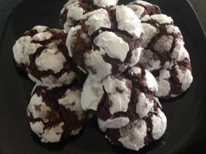 Biscotti al cioccolato fondente screpolati