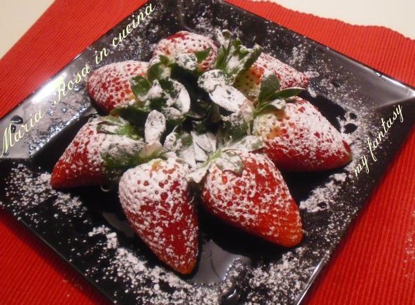 Dessert di fragole, ricetta veloce