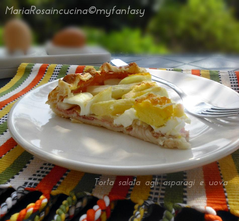 Torta salata agli asparagi e uova