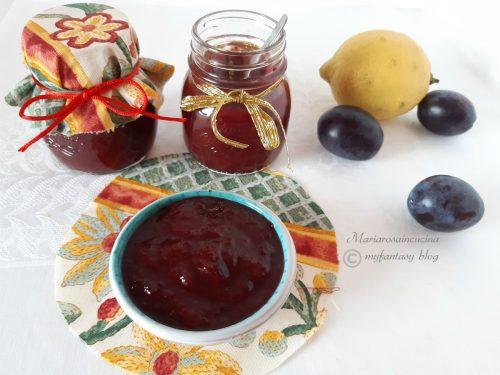 Confettura di prugne aromatizzata al limone