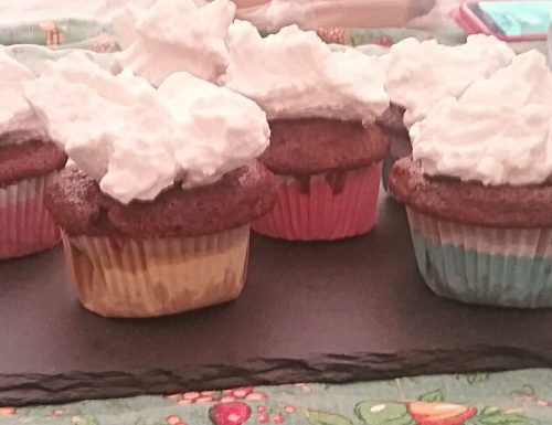 Muffin sette vasetti e mezzo al cacao con sorpresa alle noci