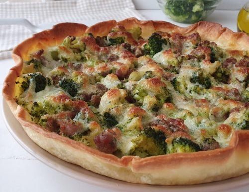 Torta salata di broccoli salsiccia e stracciatella di burrata