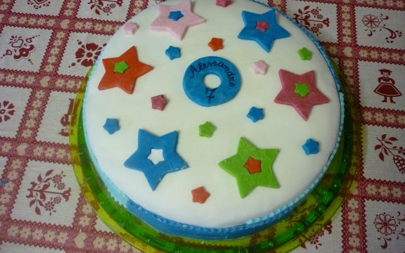 "Torta di compleanno ""Happy Birthday"""