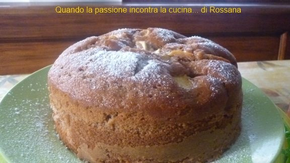 Torta all'acqua cacao e mele