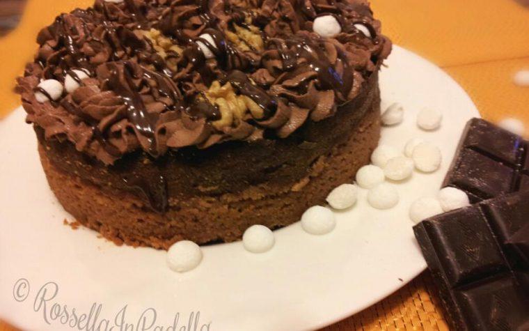 Cheesecake al doppio cioccolato e noci