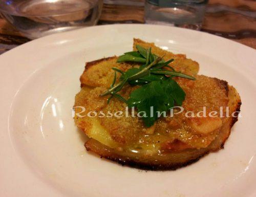 Sfogliatella di patate con prosciutto e pecorino