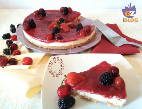 Cheesecake al mascarpone e marmellata di fragole e ciliegie