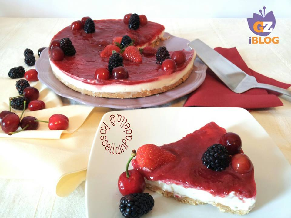 Cheesecake al mascarpone e marmellata di fragole e ciliegiefetta gz