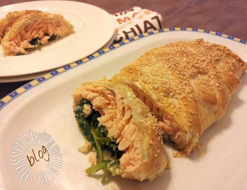 Salmone con spinaci in crosta di sfoglia e sesamo