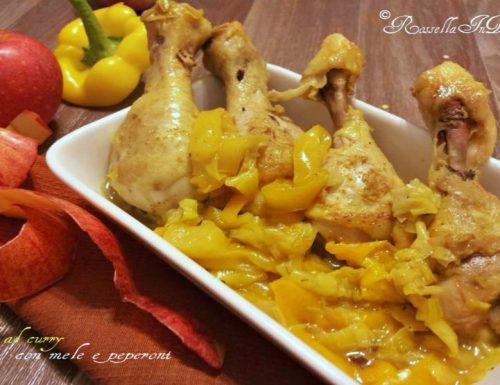 Pollo al curry con mele e peperoni