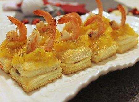 Tartine sfogliate con salmone, gamberetti e crema di mandarini