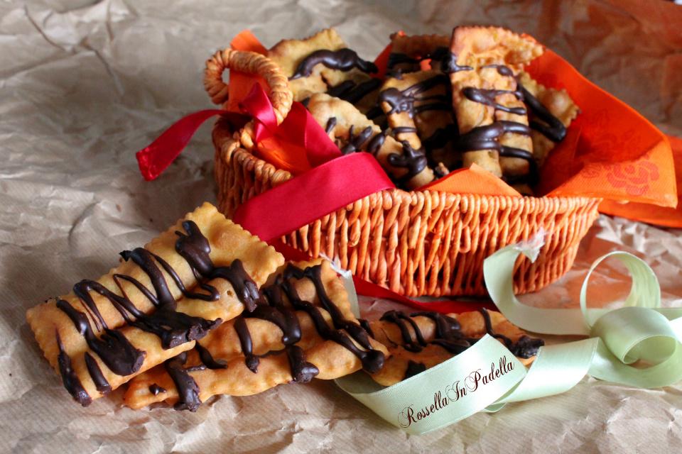 Chiacchiere di carnevale, ricetta con cioccolato
