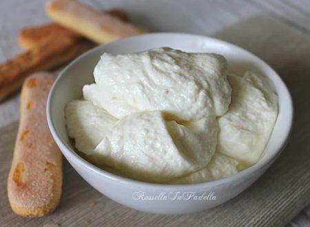 Crema a freddo al mascarpone, senza uova, cottura  o colla di pesce