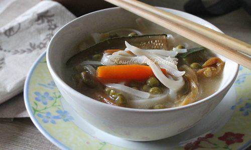 Rice noodles – Tagliolini di riso all'orientale