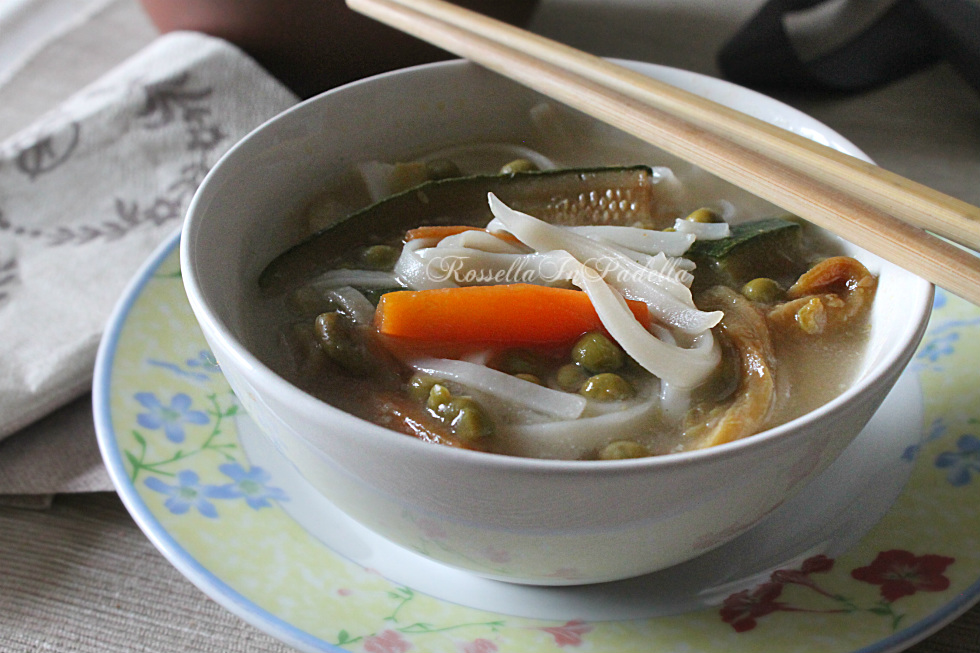 Rice noodles - Tagliatelle di riso all'orientale