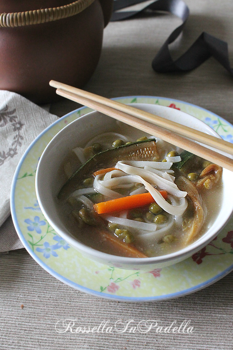Rice noodles - Tagliolini di riso all'orientale