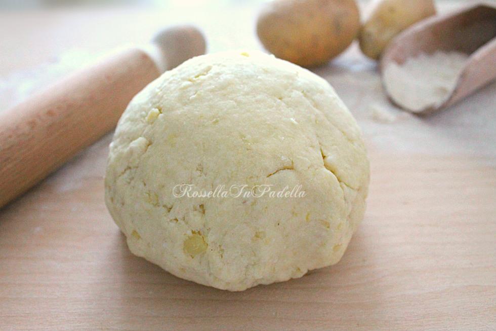 Impasto di patate senza lievito, base per focacce e frittelle