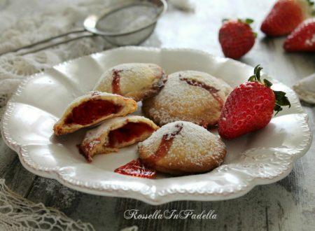 Cuor di fragola, deliziosi biscotti farciti