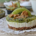 Mini fitness cheesecake. Kiwi, yogurt e cornflakes