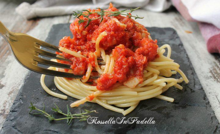 Spaghetti con ragù di merluzzo, primo piatto semplice