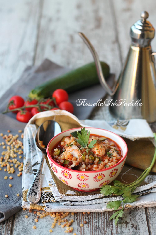 Fregola in umido con gamberi, gallinella e zucchine