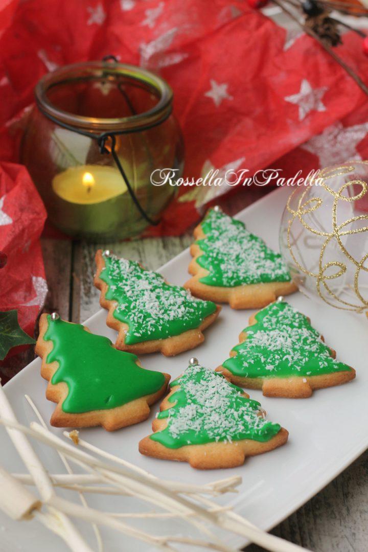 Alberelli Di Natale Biscotti.Biscotti Alberello Di Natale Di Frolla Con Glassa Veloce