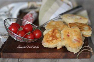 Frittelle al salame, sfiziose bontà fritte, facili da preparare