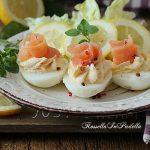 Uova cremose al salmone, antipasto facile e sfizioso