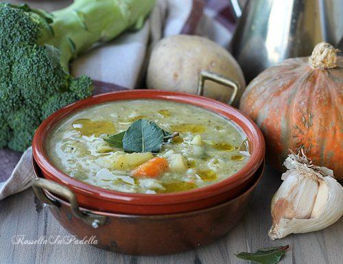 Zuppa di riso con broccoli, patate e zucca