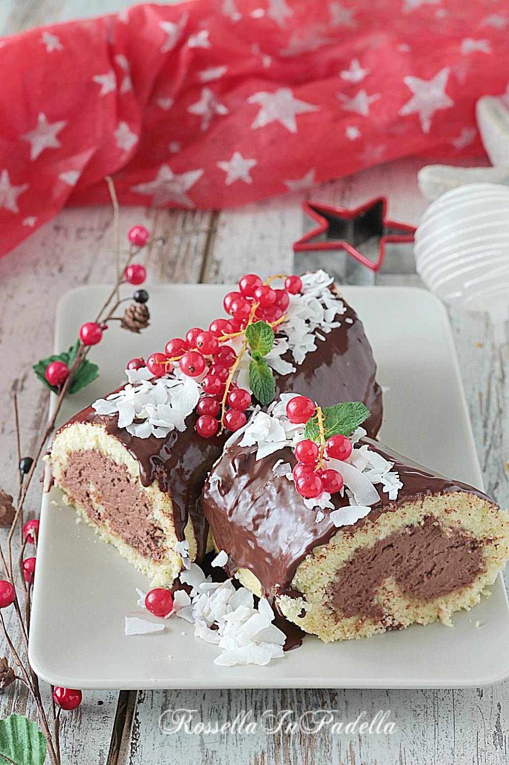 Ricetta Tronchetto Di Natale Per 10 Persone.Tronchetto Di Natale Al Cocco E Cioccolato