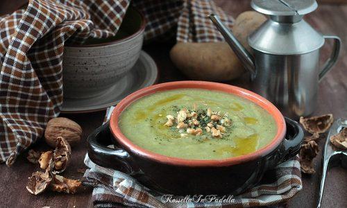 Crema di broccoli, patate e noci croccanti