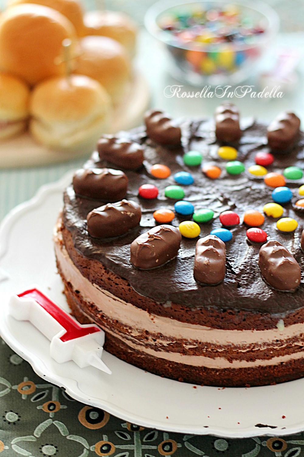 Torta di compleanno con crema al mascarpone e nutella