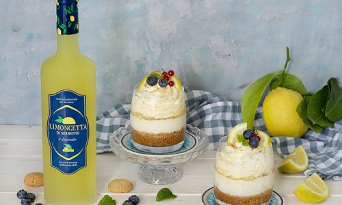 Coppette cremose al limone e amaretti