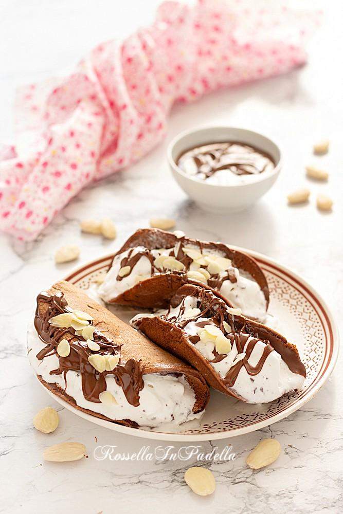 Cialde morbide con gelato stracciatella e nutella