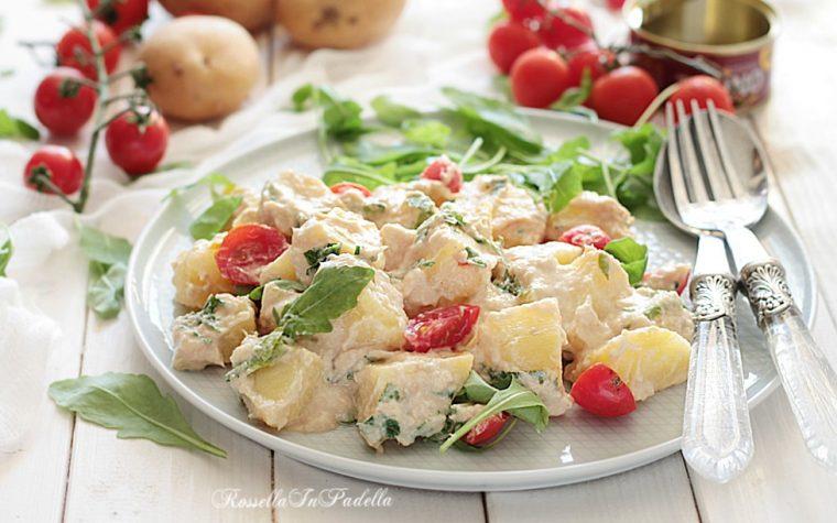 Insalata di patate tonnate con rucola e pomodorini