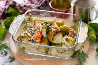 Peperoni friggitelli al forno, ripieni con patè di tonno e ricotta