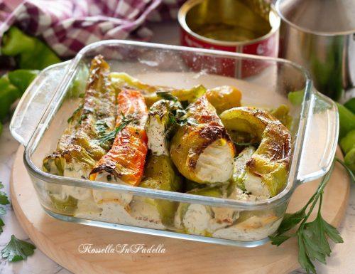 Peperoni al forno, ripieni con patè di tonno e ricotta