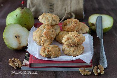 Biscotti alla ricotta con pere e noci