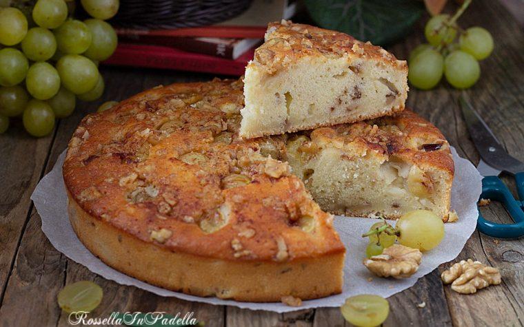 Torta al mascarpone con uva e noci