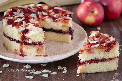 Torta di mele, mandorle e marmellata in 15 minuti