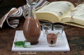 Liquore alla nutella, ricetta facilissima in 5 minuti