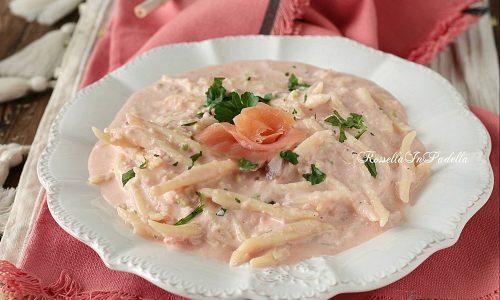 Trofie con crema di salmone e ricotta