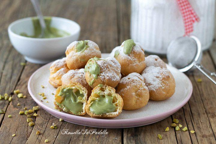 Bignole al pistacchio fritte o al forno, farcite con crema al pistacchio