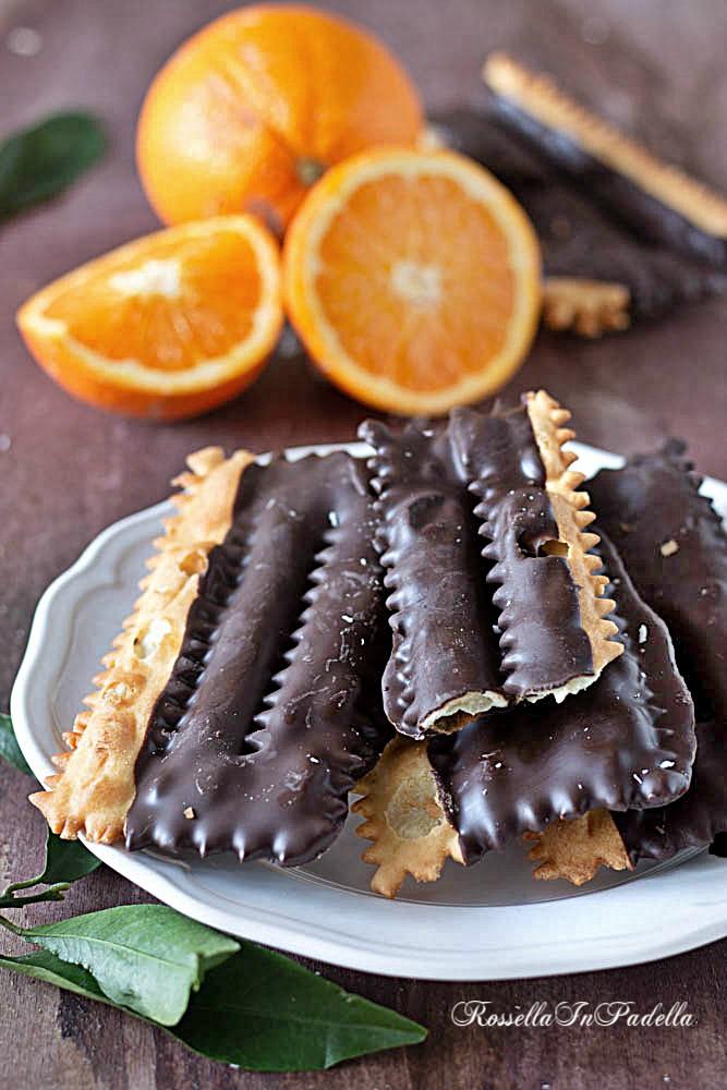 Chiacchiere furbe all'arancia e cioccolato