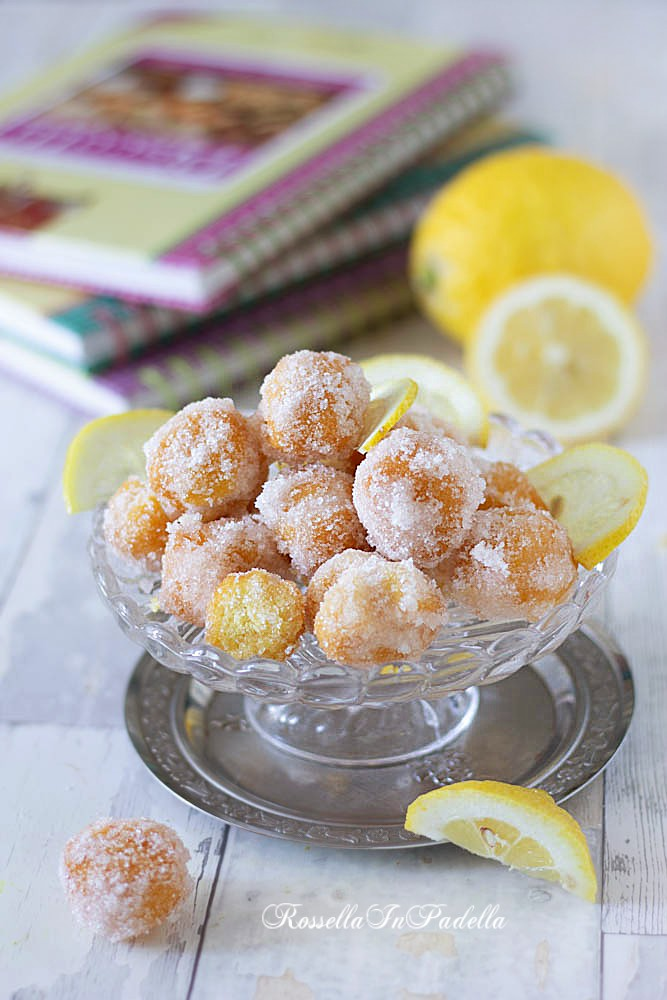 castagnole al limone glassate con lo zucchero