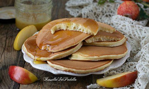 Pancakes alle mele, ricetta senza latte