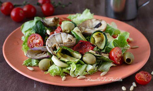 Verdure grigliate in insalata