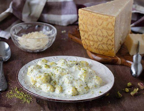 Gnocchi cremosi al Grana Padano DOP e pistacchi