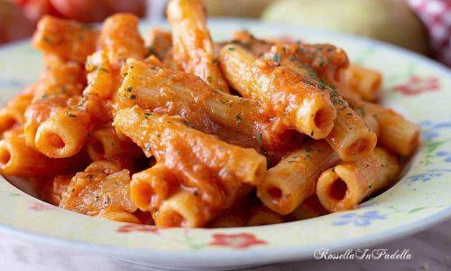 PASTA CON RAGU DI PATATE, ricetta semplice e gustosa