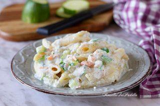 Pasta con zucchine, salmone e ricotta